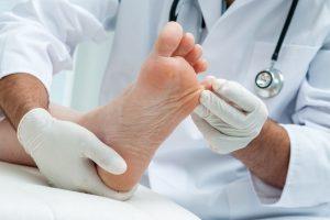 پیشگیری از زخم پا در افراد دیابتی