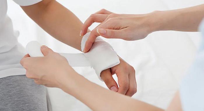 هشت درمان خانگی موثر برای توقف خونریزی